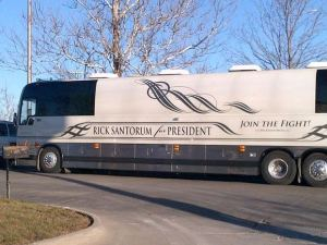 The Duggars 45-foot bus campaigning for Rick Santorum in 2012