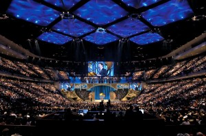 Joel Osteen's Lakewood Church in Texas has an average of 40,000 people in attendance each Sunday.  Wow!